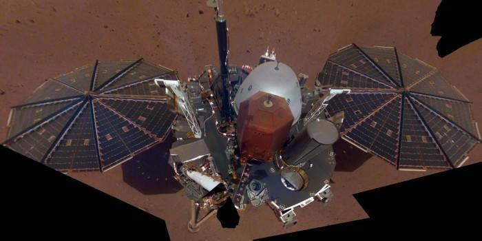 """""""洞察号""""火星探测器合成自拍照展现探测器全貌"""