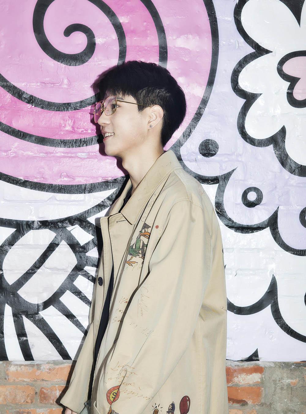 杨桐爆时尚街拍  青葱少年展现活力青春