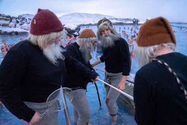 """另类圣诞节传统!13个冰岛""""圣诞老人""""下山送礼"""
