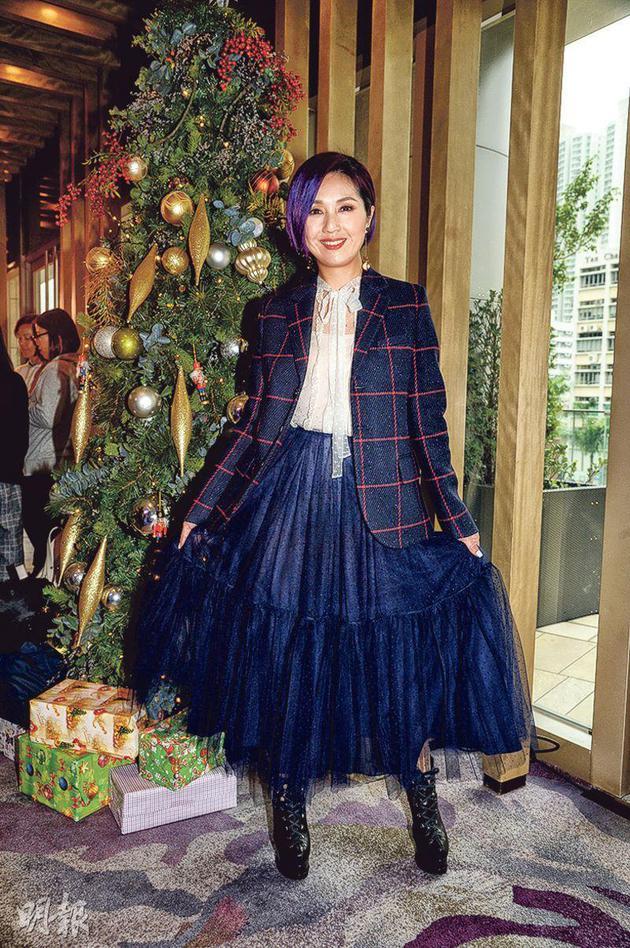 杨千嬅表示圣诞有几天假期,可以陪儿子去玩。