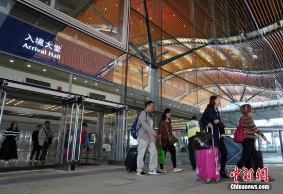 港珠澳大桥香港口岸将设大型零售店 满足旅客购物需求