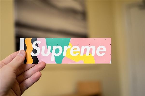 三星取消与Supreme Italia合作:品牌只是山寨