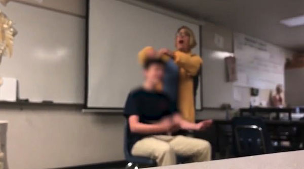 美高中女教师课堂上强行给学生剪发被逮捕