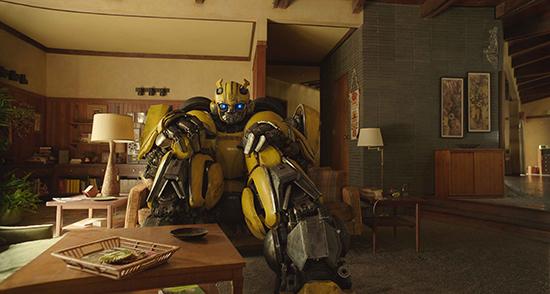 《大黄蜂》发布正片片段 汽车人将踏冒险之旅