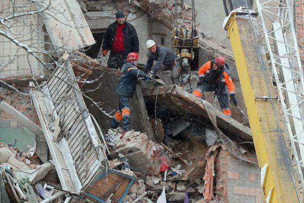 乌克兰一居民楼发生瓦斯爆炸 事故致2死1伤