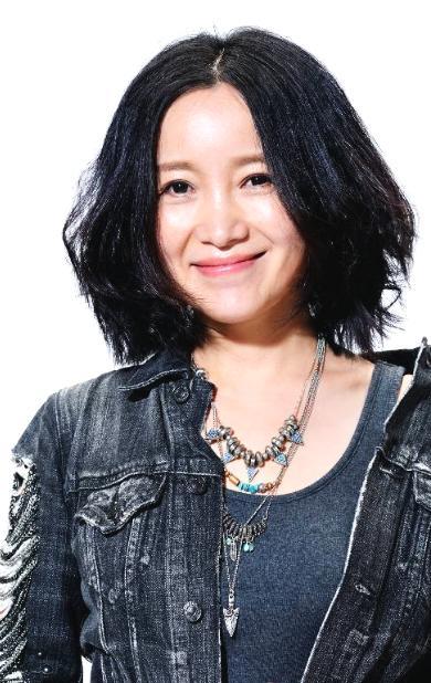 曾是中国摇滚界的人才,上过春晚却也为恩师想不开,今50仍单身!