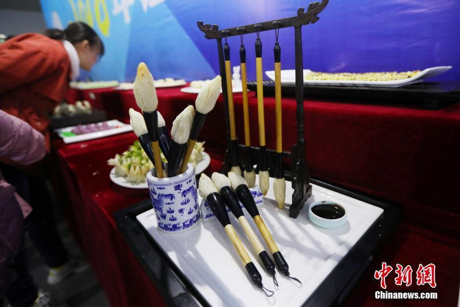 江苏高校大厨齐聚扬州赛厨艺