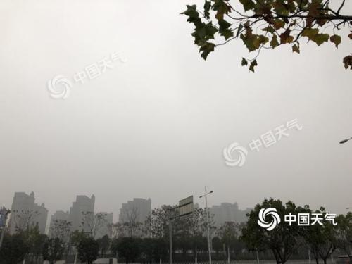 华北黄淮雾霾天气反复 南方昼夜温差加大