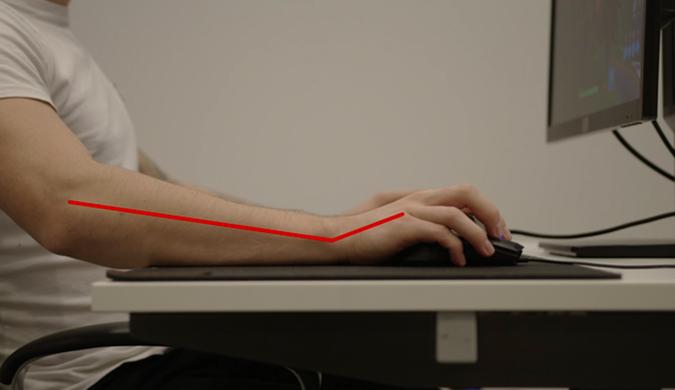 """这款""""游戏外设""""手套可让你更舒服的使用鼠标"""