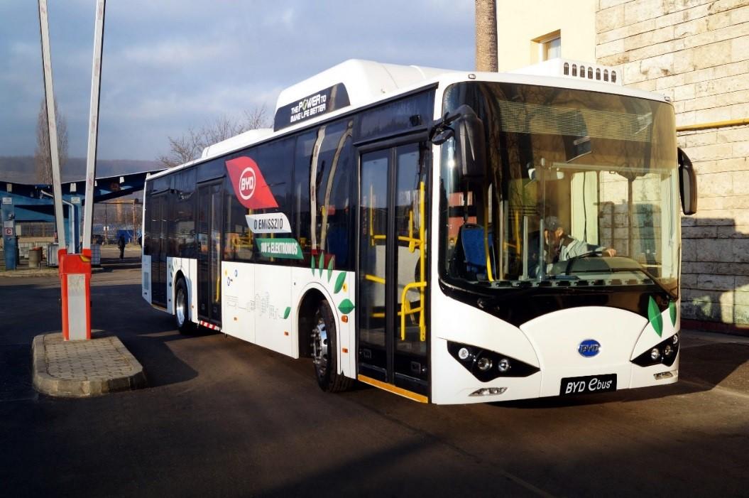 比亚迪完成匈牙利首辆电动巴士交付