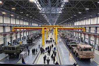 曾经苏联最强MAZ车辆厂现在什么样