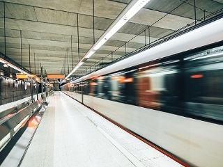 江苏拟修标准:地铁拥挤度不超100%