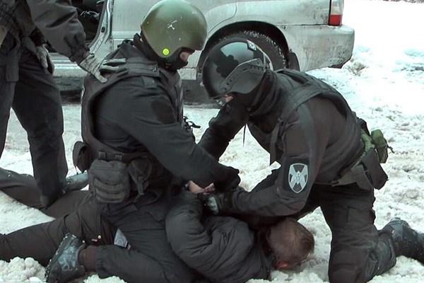 俄联邦安全局捣毁一个武器制造作坊 查获武器弹药