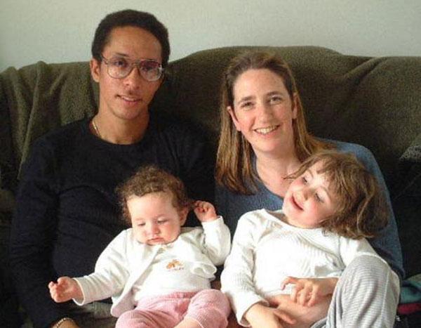 美男子谎称CIA特工 骗娶3女子生育13个孩子