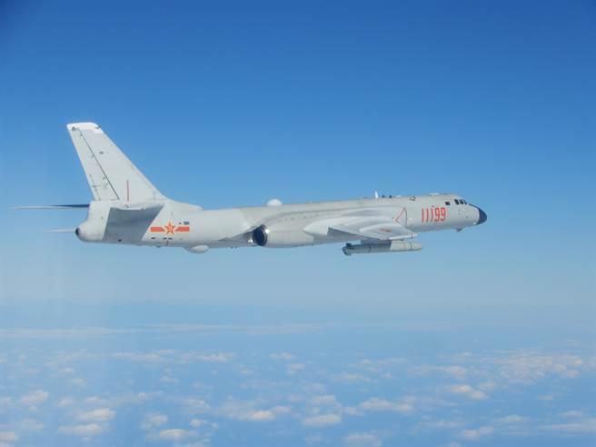 台媒:解放军4架战机和2艘军舰航至台湾东南部海域
