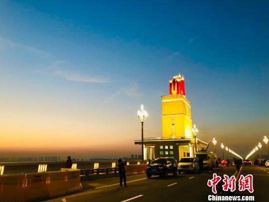 南京长江大桥开通在即:外地号牌车辆全天禁行