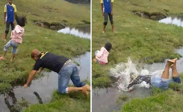 忍俊不禁!印尼男子将孩子扔过小溪自己跌进水里