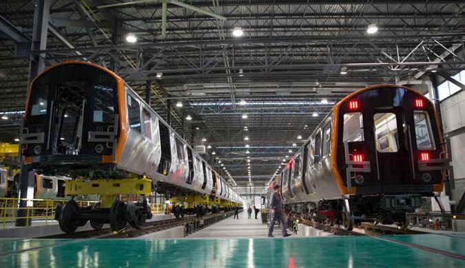 中国中车为波士顿地铁生产的首列车在美国下线