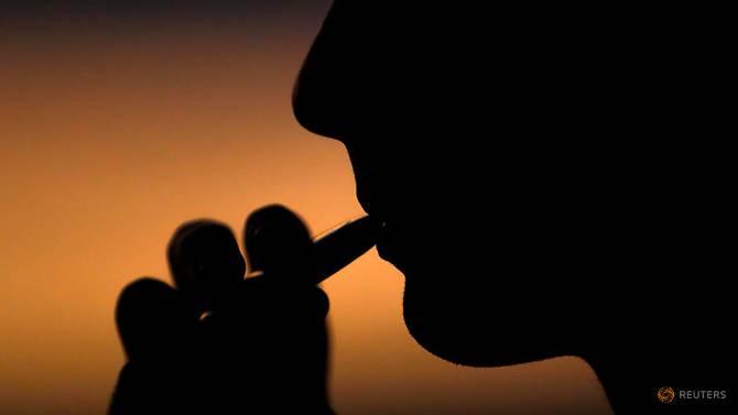 调查:美国高中生电子烟使用率翻倍