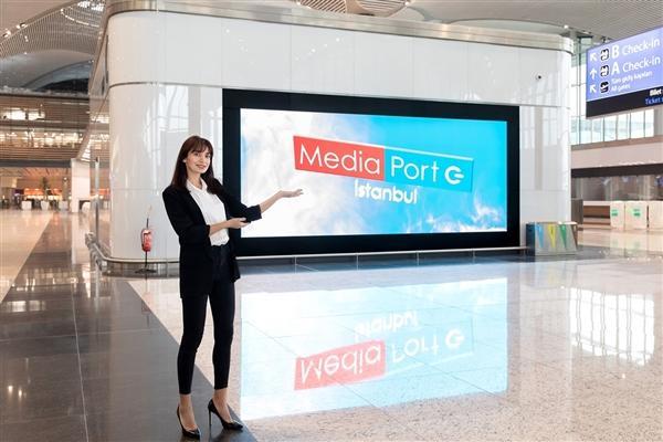 三星成功安装世界最大的机场室内LED指示屏