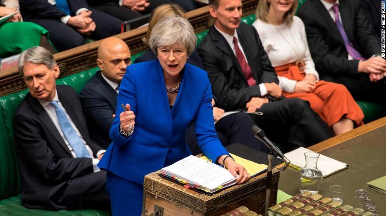 """英国工党领袖科尔宾偷骂特雷莎·梅是""""蠢女人""""?"""