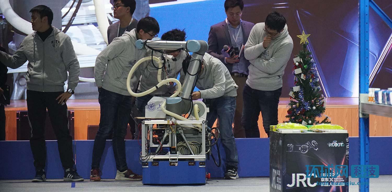 机器人帮人拣货时代到来京东进一步向智能化迈进