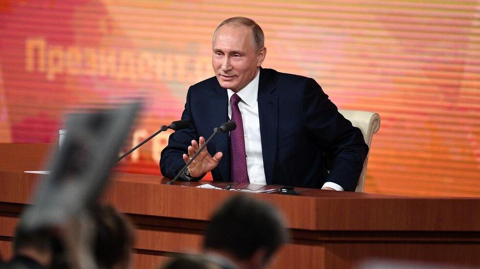 俄罗斯年度大型记者会开幕