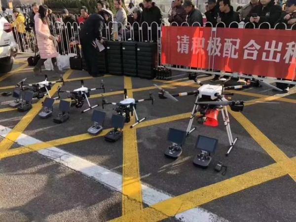 还敢乱停车么?天津用无人机高空摄录违停!