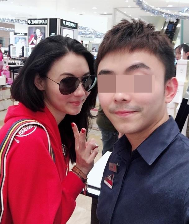 张柏芝现身新加坡购物 网友偶遇大赞身材好