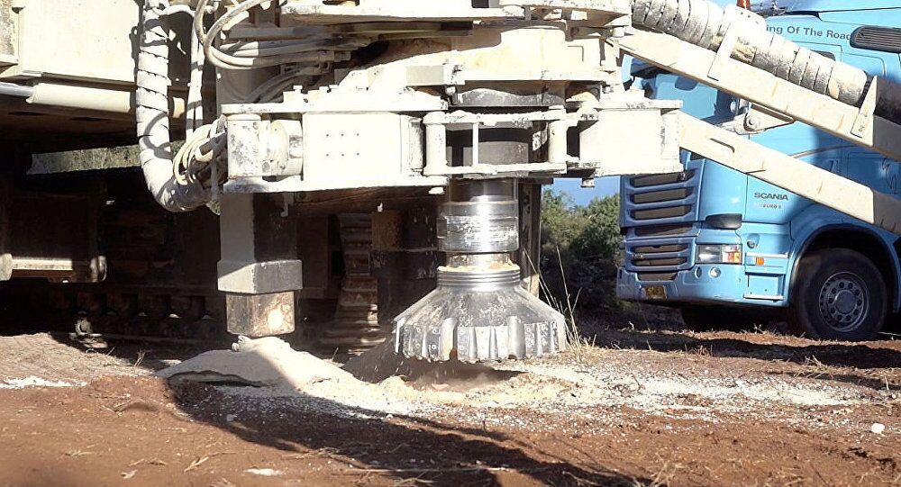 """以军开始摧毁在与黎巴嫩边境发现的""""破坏性隧道"""""""
