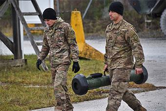 美军斯崔克步兵战车装备标枪坦克导弹