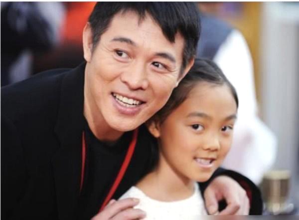 李连杰带女儿参加刘德华的演出,刘德华直接邀请小姑娘共舞