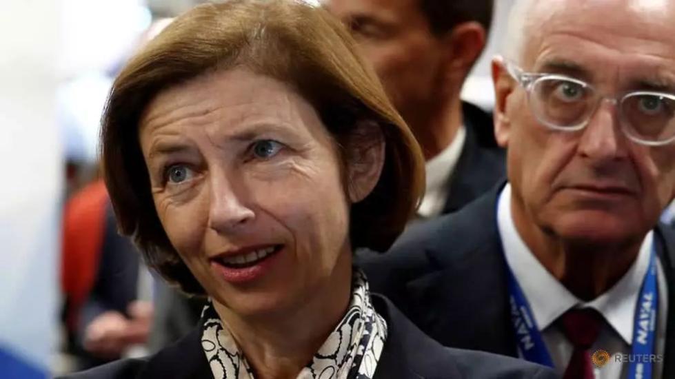 """特朗普说""""伊斯兰国""""被消灭了,法国防长:还没有"""