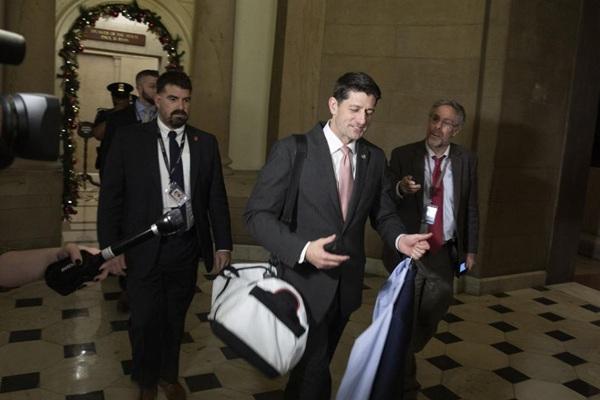 """美政府""""部分关门""""成定局 国会议长打包走人"""