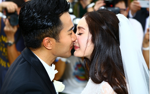 杨幂刘恺威发表离婚声明 昔日恩爱瞬间已成过往