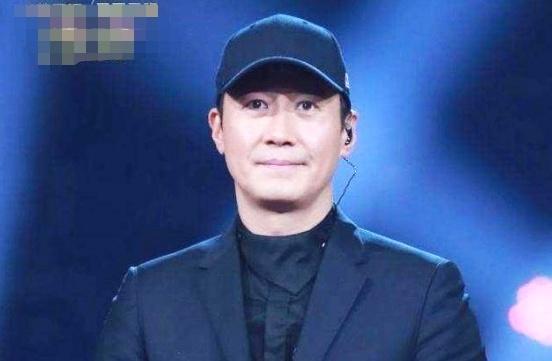 蒙面唱将最被嫌弃的歌手,遭评审嘉宾调侃,摘下面具后都沉默不语
