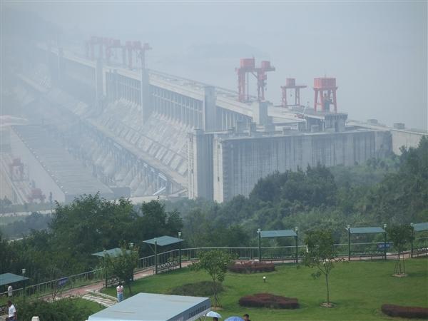 新纪录!三峡电站年发电量首次突破1000亿千瓦时