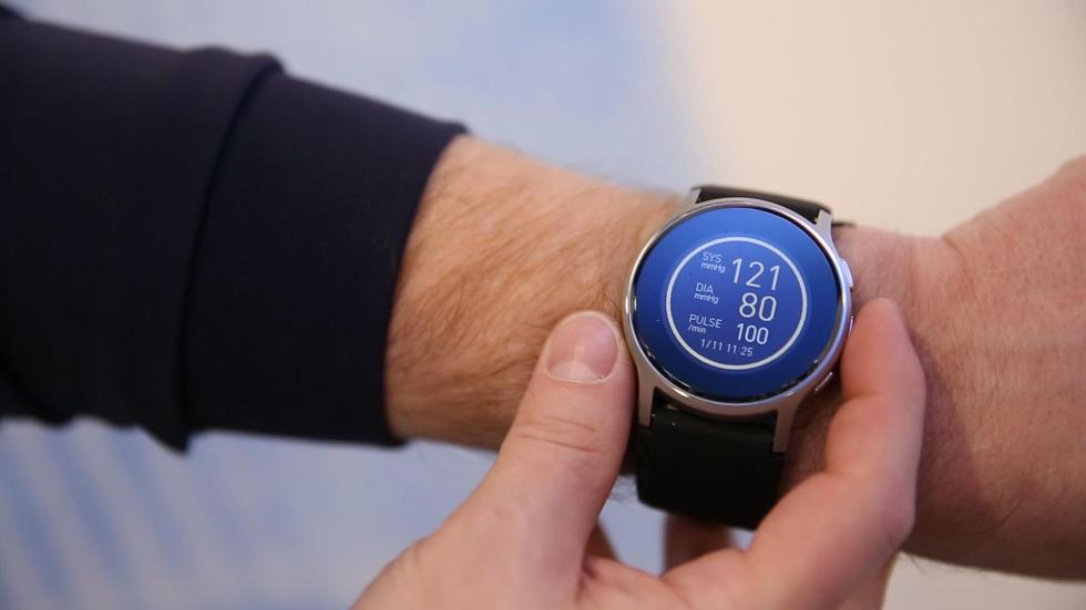 欧姆龙推出新款智能手表 内置血压计