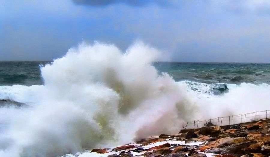 印尼万丹海啸 20死165伤