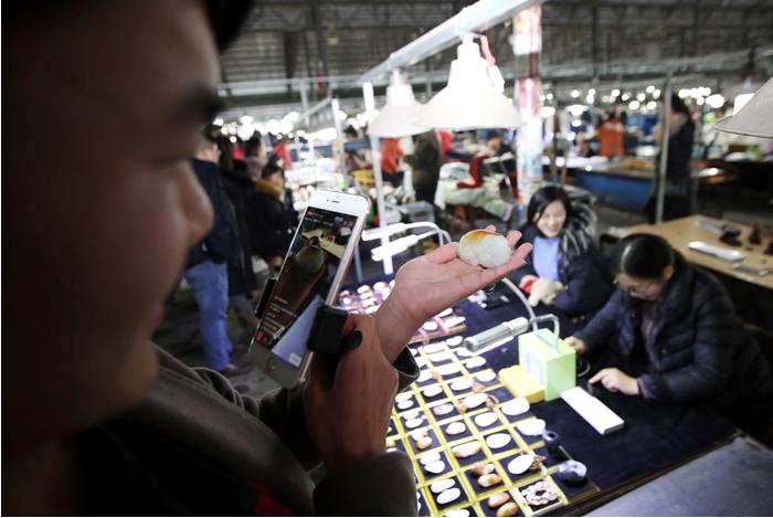 """10天带动4亿成交 淘宝直播""""焕活""""传统玉器市场"""