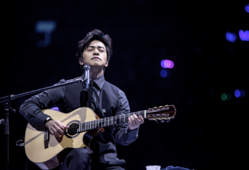 """""""不止,是李健""""北京开唱 新歌首唱惊喜不断"""