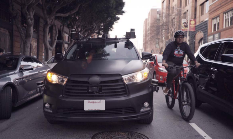 加州首次批准自动驾驶汽车运营