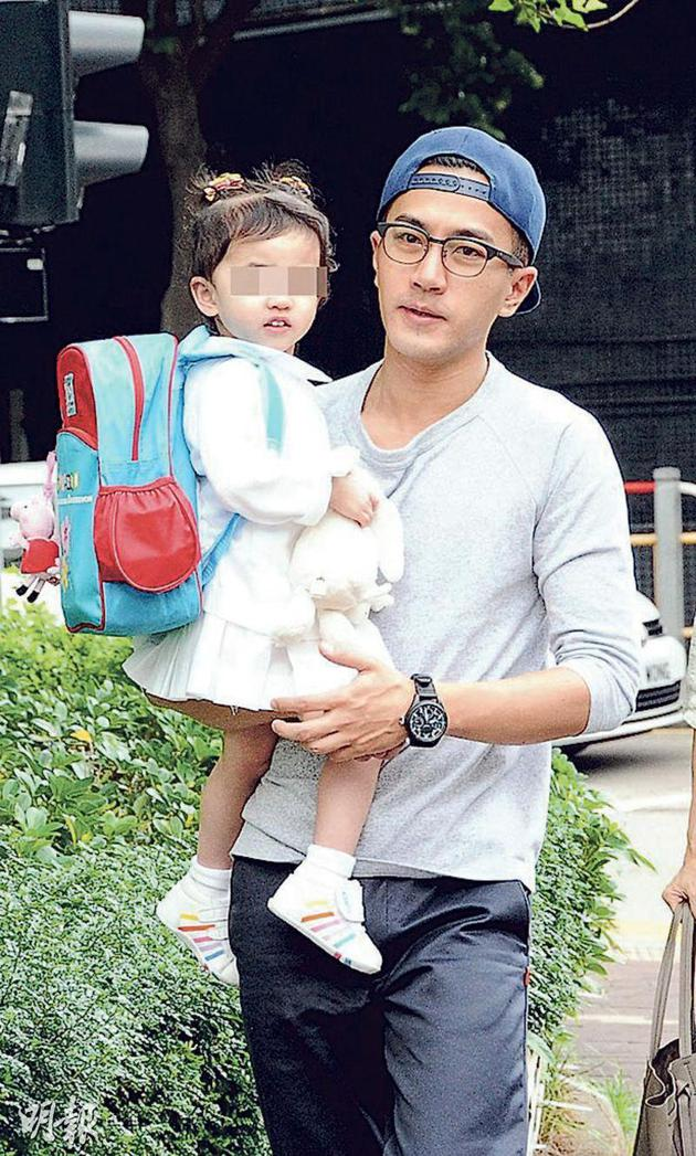 刘恺威经常不在香港,4岁的女儿小糯米留在香港跟爷爷刘丹生活