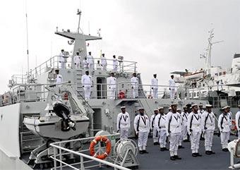 中国向斐济海军捐赠水文测量船正式交付