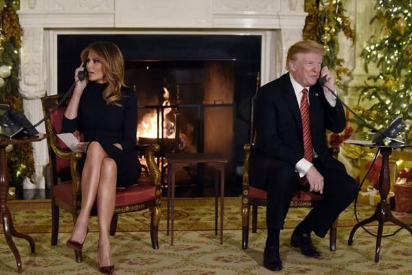 """特朗普和夫人梅拉尼娅一起打电话""""追踪圣诞老人"""""""