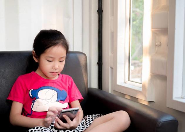 日本学生视力水平创新低 智能手机是罪魁祸首
