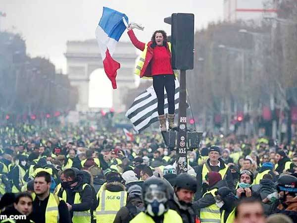 驻法国使馆就近期法国治安形势提醒中国公民注意安全