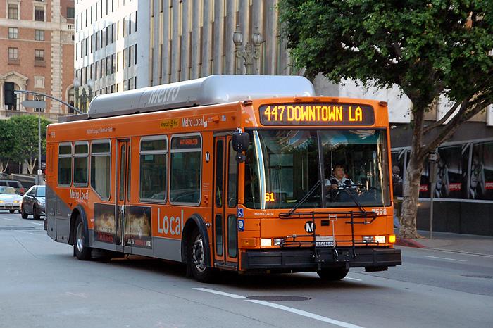 加州计划20年内实现公交车零排放