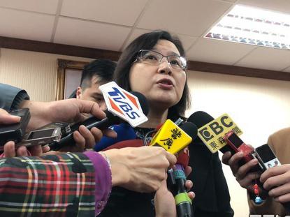 张淑玲突然改口称有给苏启诚打电话 否认是惩处电话
