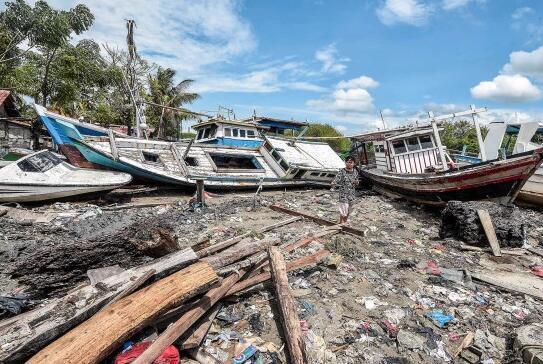 印尼海啸预警系统坏了6年 政府下决心购买新设备
